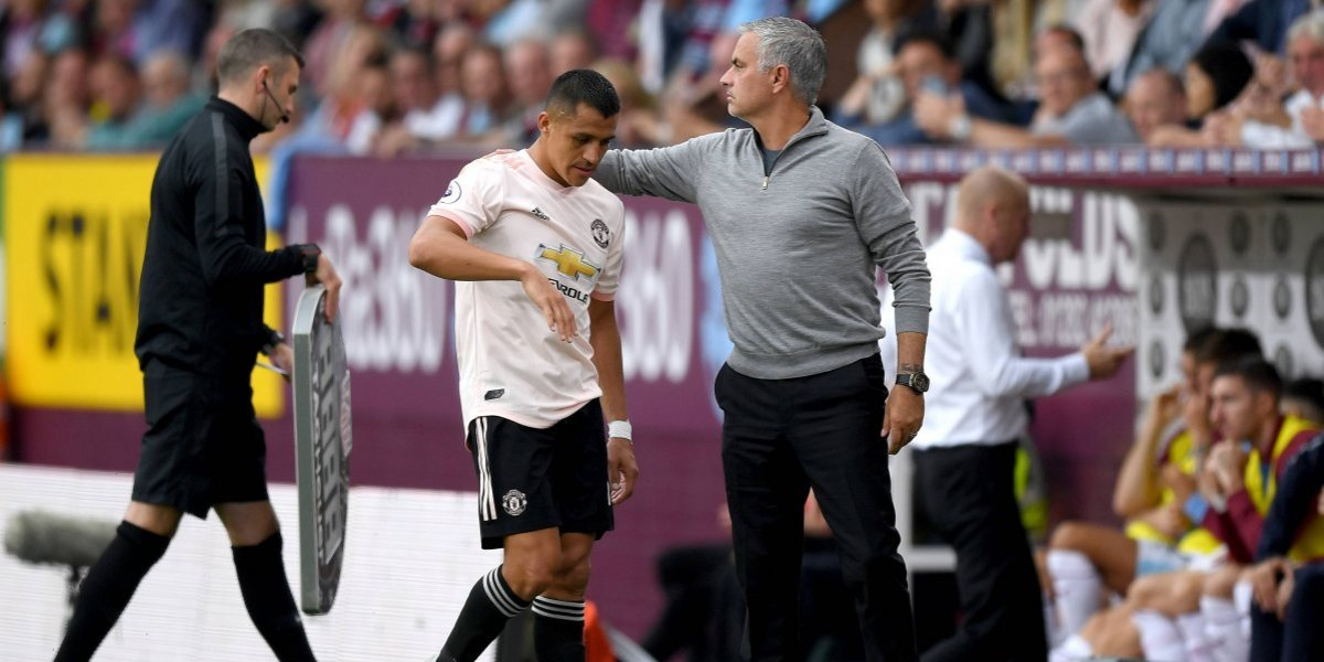 La rabia de Alexis Sánchez tras ser reemplazado en la ajustada victoria del Manchester United