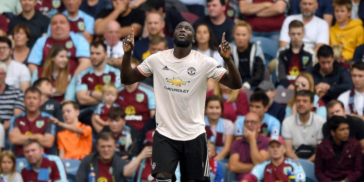Doblete de Lukaku le dio la victoria al Manchester United