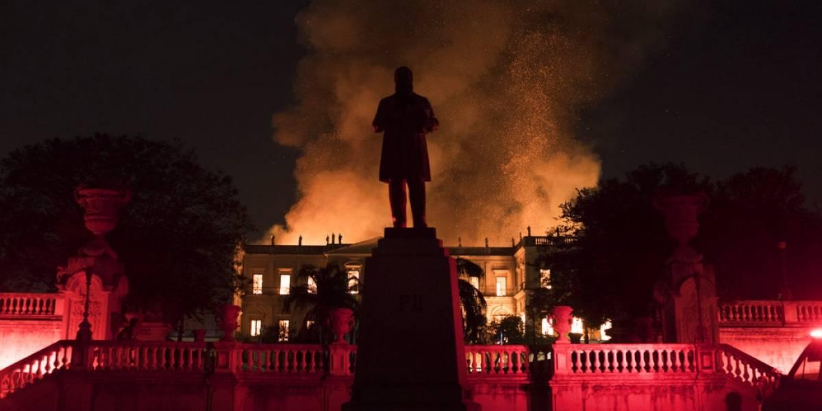 Incendio devora el Museo Nacional de Río, uno de los más antiguos de Brasil