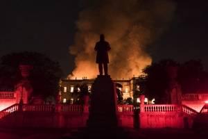 Incendio en museo de Río de Janeiro