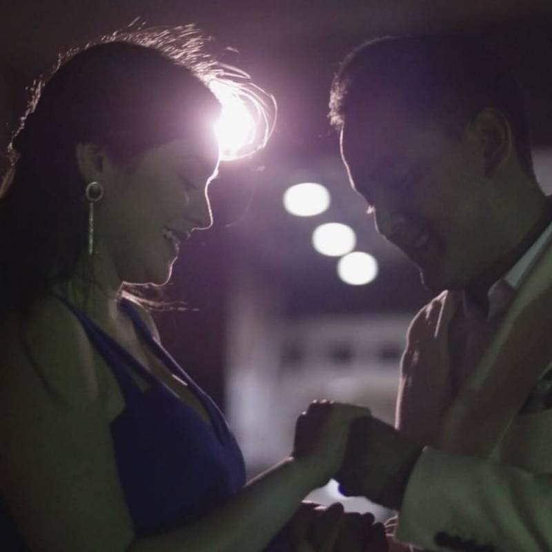 VIDEO: Hombre le pide matrimonio a su novia desde las alturas de Guayaquil Cortesía