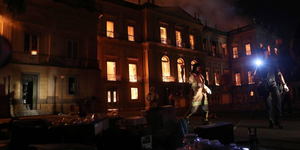Incêndio no Museu Nacional só foi controlado por volta das 3h da manhã