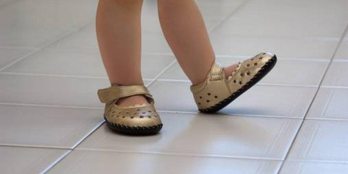 El caso que impactó a la comunidad médica: niña de 4 años contrajo infección mortal por probarse zapatos nuevos sin usar calcetines