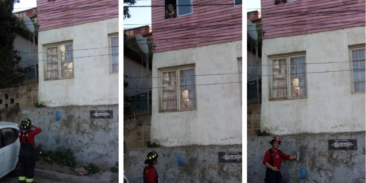 La mejor del mundo: el noble gesto de abuelita con bomberos de Valparaíso que se robó el corazón de las redes sociales
