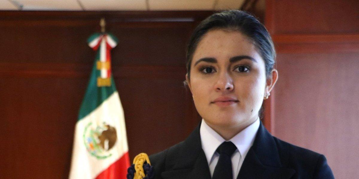 Gloria Cházaro, la teniente de 24 años que brilla en la Marina