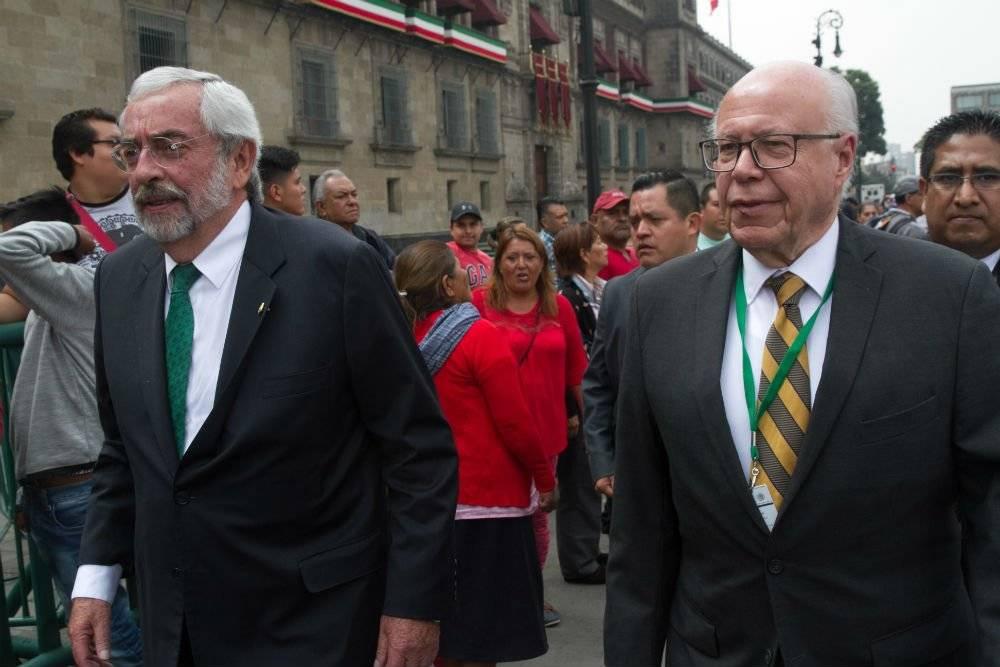Enrique Graue y José Narro Foto: Cuartoscuro