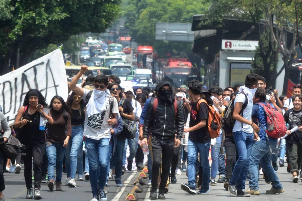 Estudiantes del CCH Azcapotzalco marcharon a CU Foto: Cuartoscuro