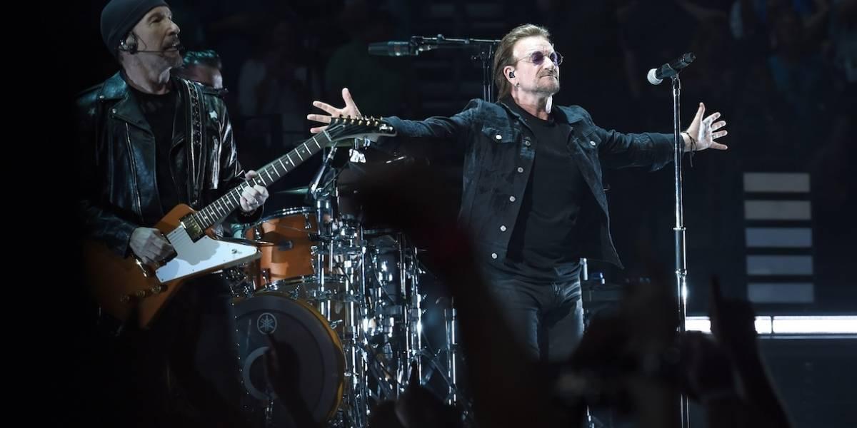 Bono manda recado aos fãs após ficar sem voz durante show do U2 neste último sábado