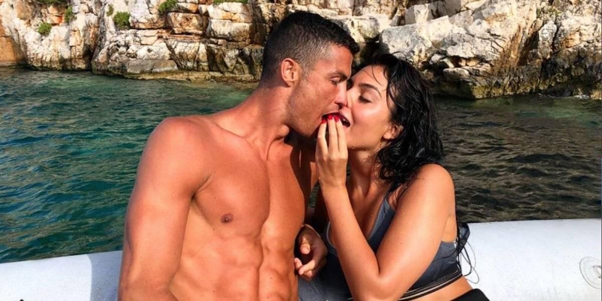 Con una sensual foto, Georgina le dedica un romántico mensaje a Cristiano