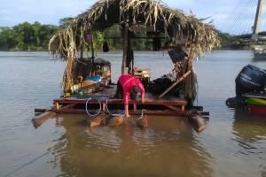 Dos extranjeros fueron rescatados en el río Napo