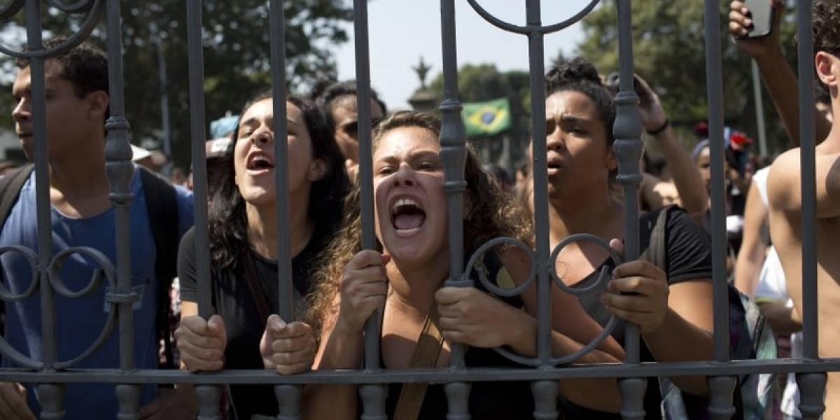 Ola de indignación en Brasil por el incendio que convirtió al  histórico Museo Nacional en pasto de las llamas