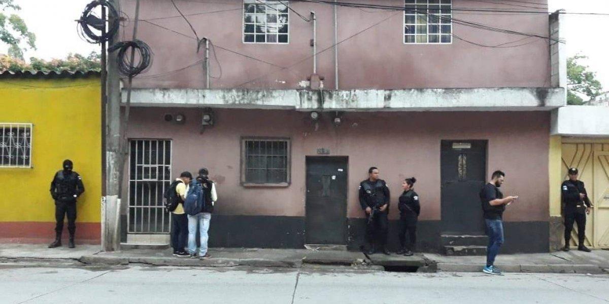"""Realizan operativo contra """"los Pinchallantas"""" una red dedicada a asaltar a cuentahabientes"""