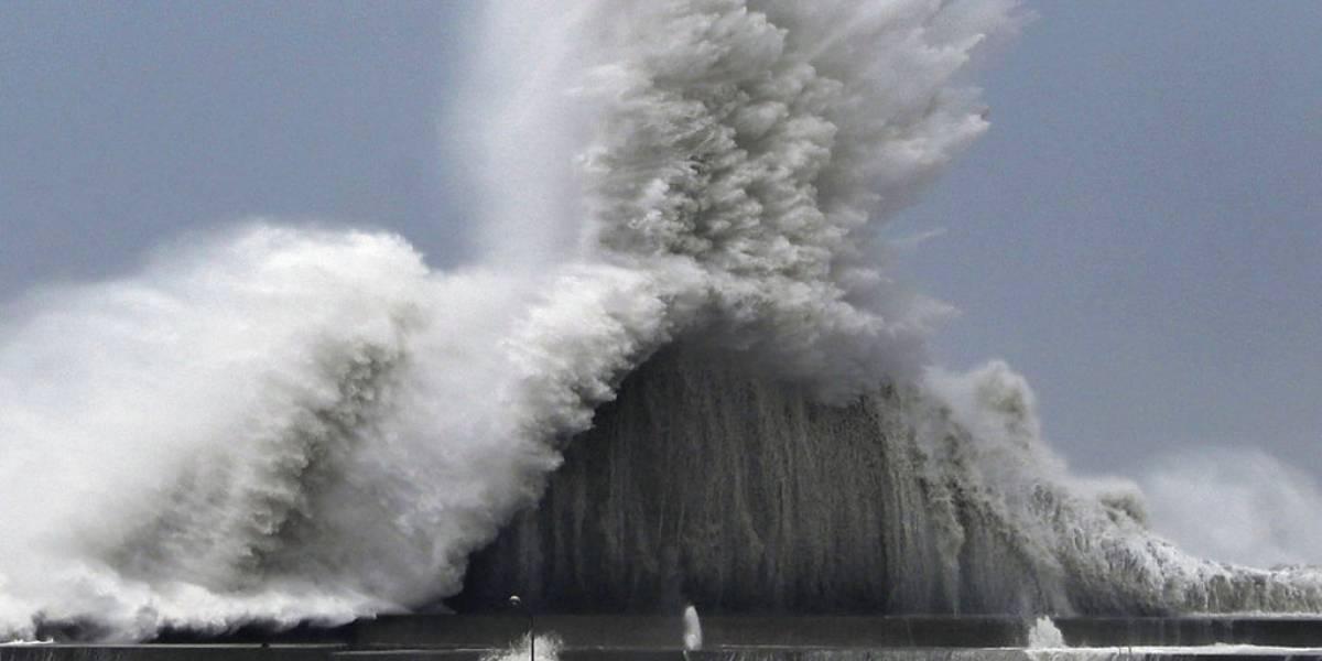 El más potente en los últimos 25 años: las impresionantes imágenes del destructivo tifón Jebi que azota con fuerza a Japón