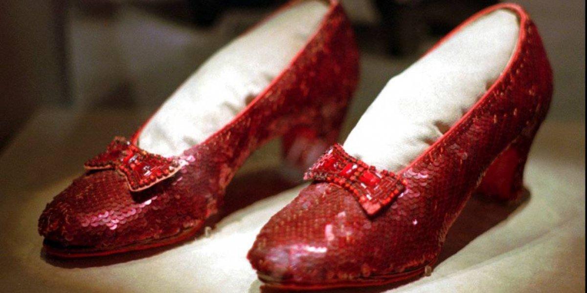 """Aparecen las zapatillas robadas de """"Mago de Oz"""" 13 años después"""