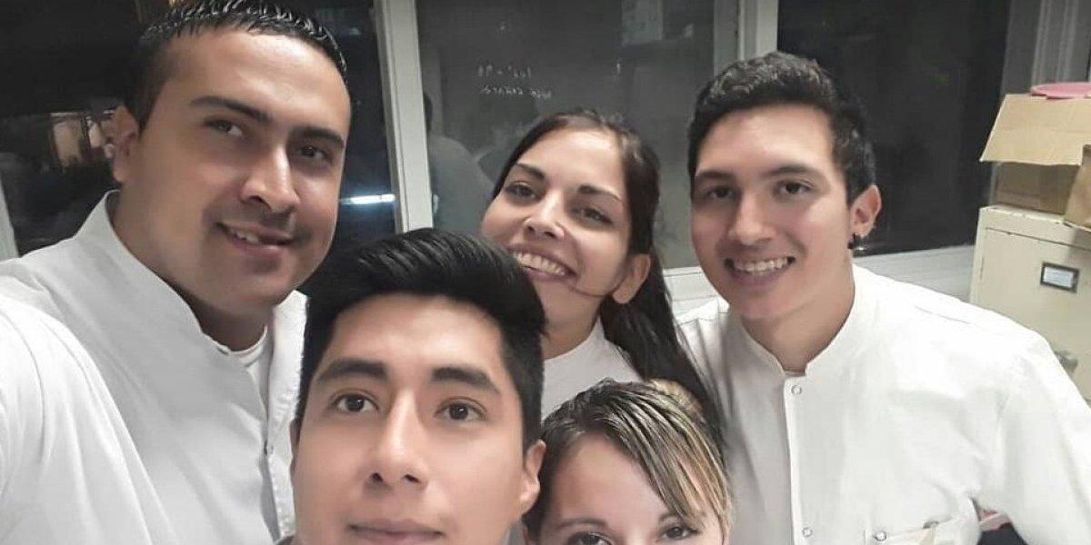 Último día de sandwiches en el metro de Buenos Aires: vendedor- enfermero cuenta su historia de superación personal