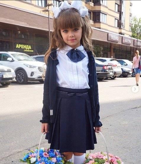 El primer día de escuela de la niña más guapa del mudno Instagram