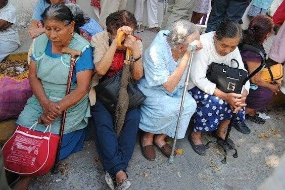 En dicho periodo, diez millones vivirán en pobreza; 15.3 millones padecerán enfermedades cónico-degenerativas / Cuartoscuro