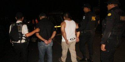 PNC y particular capturados en Escuintla por llevar marihuana
