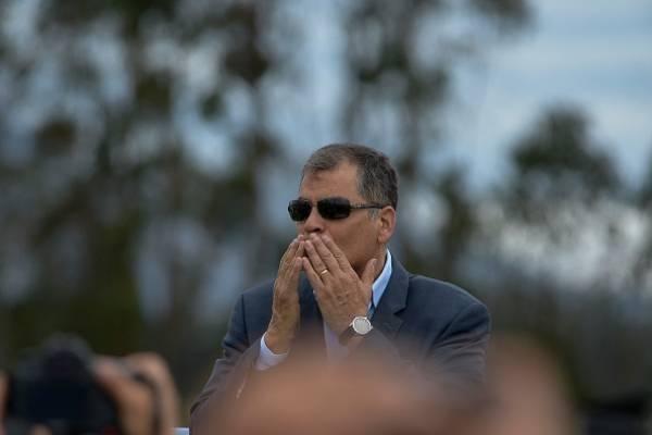 Rafael Correa planificaría viaje a Ecuador