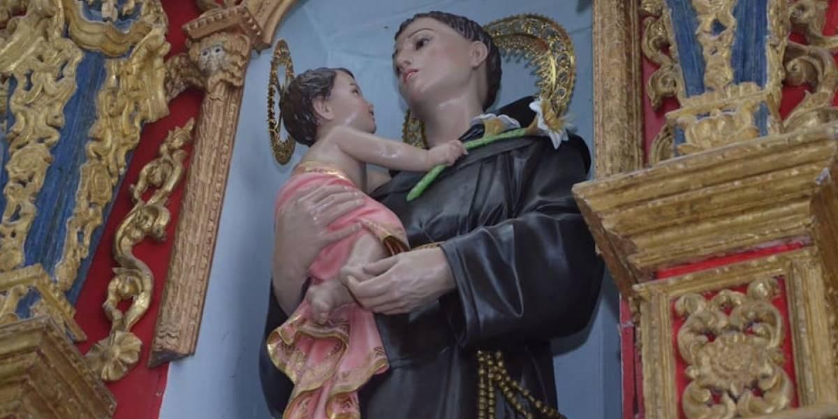 """Restauran imagen de santo y ahora parece que está """"maquillado"""""""