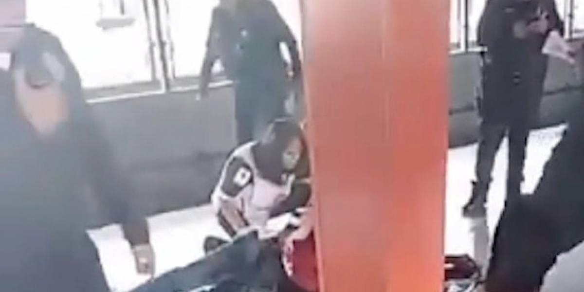 Balean a policía federal encubierto en estación Aragón del Metro