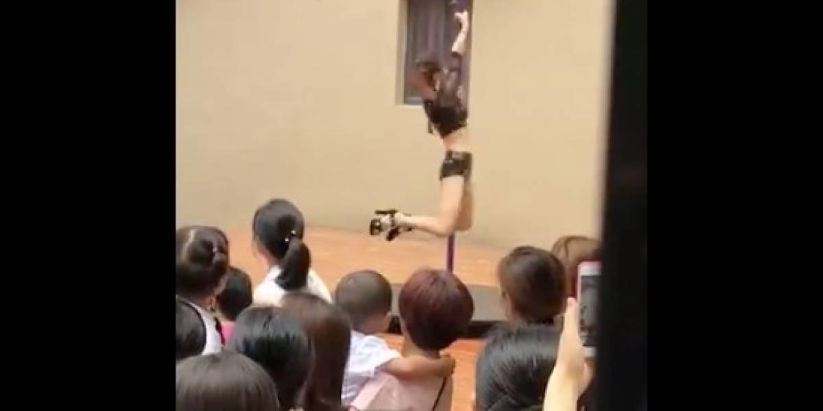 Despiden a directora por autorizar baile de tubo en un kínder