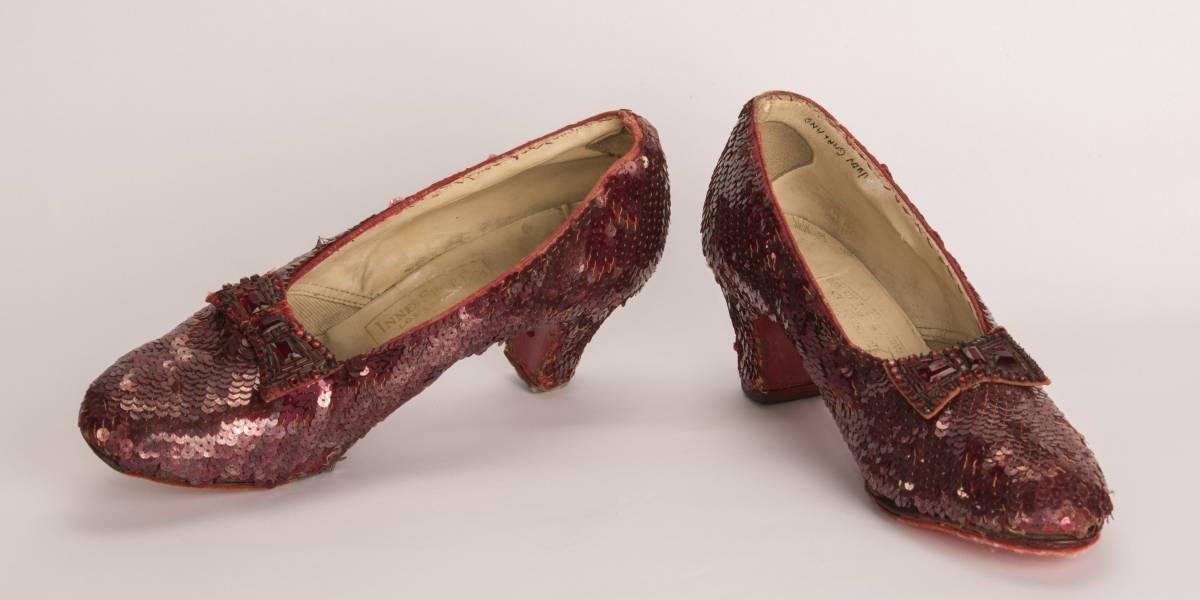 Sapatos vermelhos usados por Judy Garland em O Mágico de Oz são achados pelo FBI