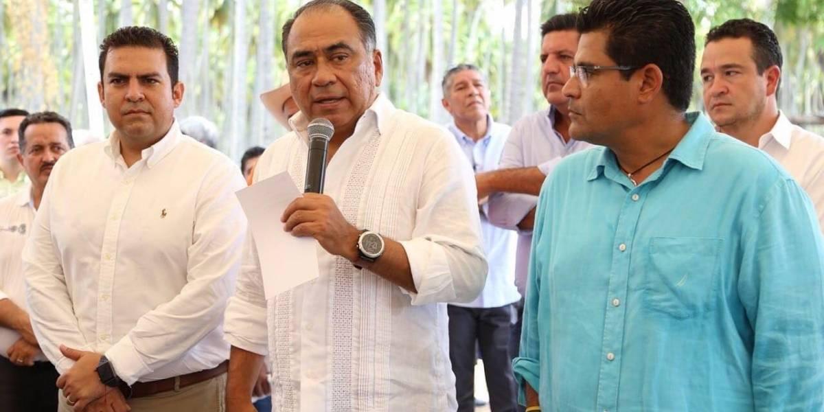 Héctor Astudillo inaugura obras de infraestructura educativa y carretera Petatlán-San Valentín
