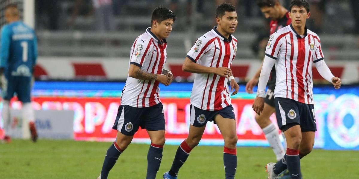 VIDEO: Aficionados del Real Madrid confunden a Chivas con América