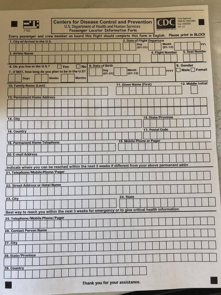 Passageiros tiveram que preencher formulário de condições de saúde Larry Coben/Twitter