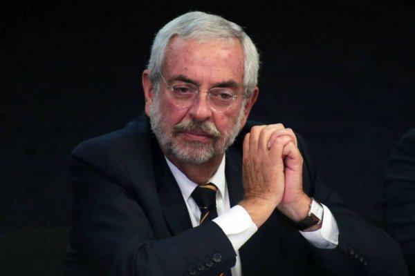 #Política Confidencial Enrique Graue enfrenta reto ante porros y alumnos