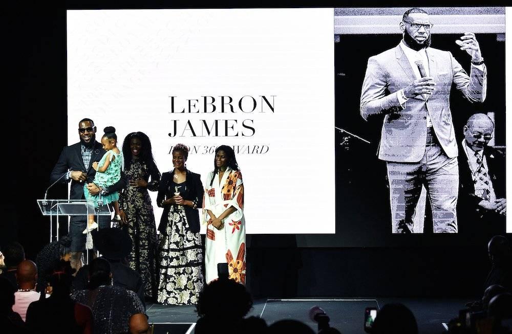 LeBron presentó un nuevo modelo de zapato para mujer de la marca Nike. /Getty Images