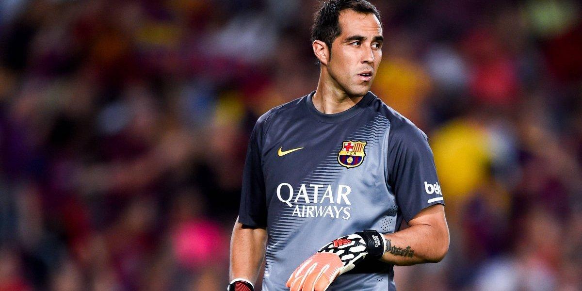 Claudio Bravo no olvida el blaugrana: estuvo en las tribunas viendo el triunfo del Barcelona en Champions League