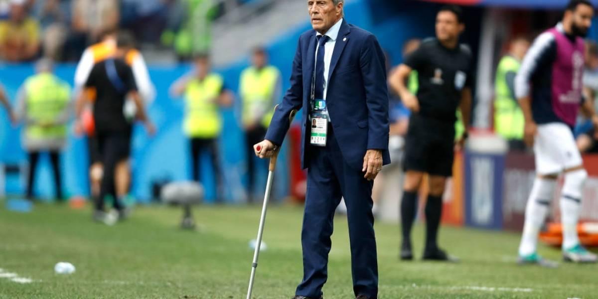 El viejo roble está intacto y busca otro Mundial: El Maestro Tabárez renovó por cuatro años con Uruguay