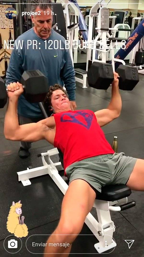 Joseph Baena, hijo de Arnold Schwarzenegger