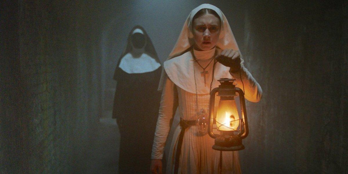 """¿Quién es la protagonista de """"La monja"""" y por qué se parece tanto a la actriz de """"El conjuro""""?"""