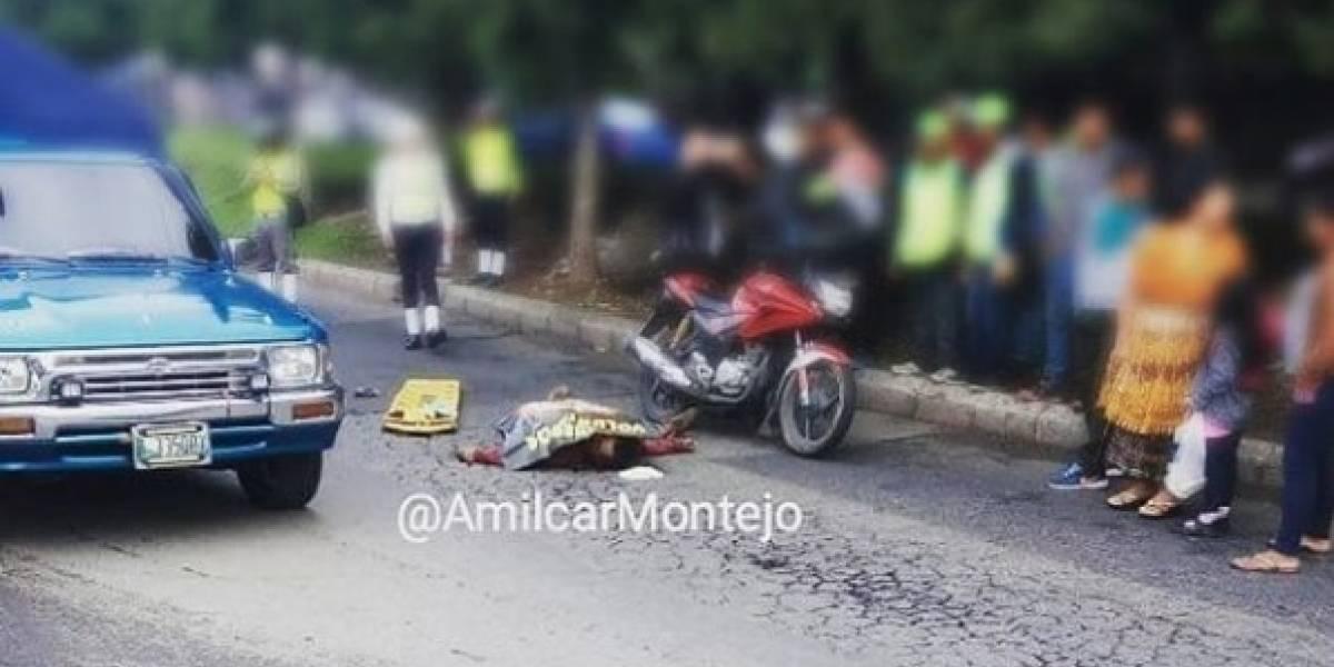 Motorista muere tras colisión en la calzada Atanasio Tzul
