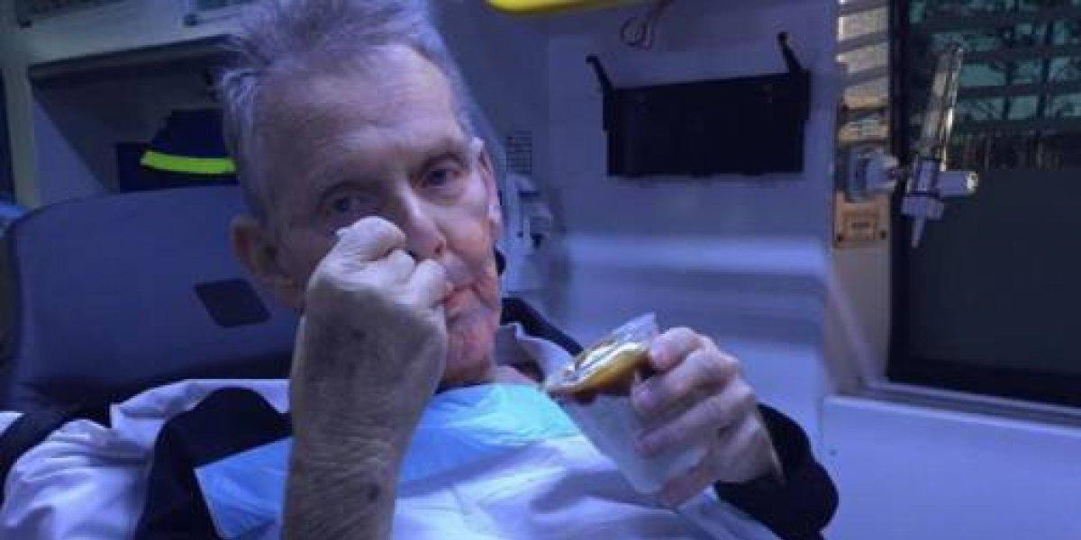 Paramédicos fueron a buscar a un enfermo terminal y se detuvieron en el camino para cumplirle su último deseo: quería un simple helado de caramelo