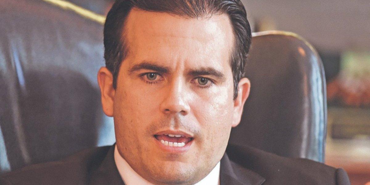 Gobernador Ricardo Rosselló se va de viaje