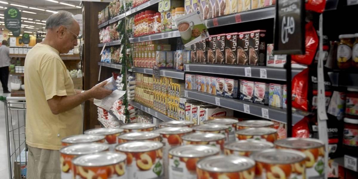 Alimentos da cesta básica ficam mais baratos em 17 capitais