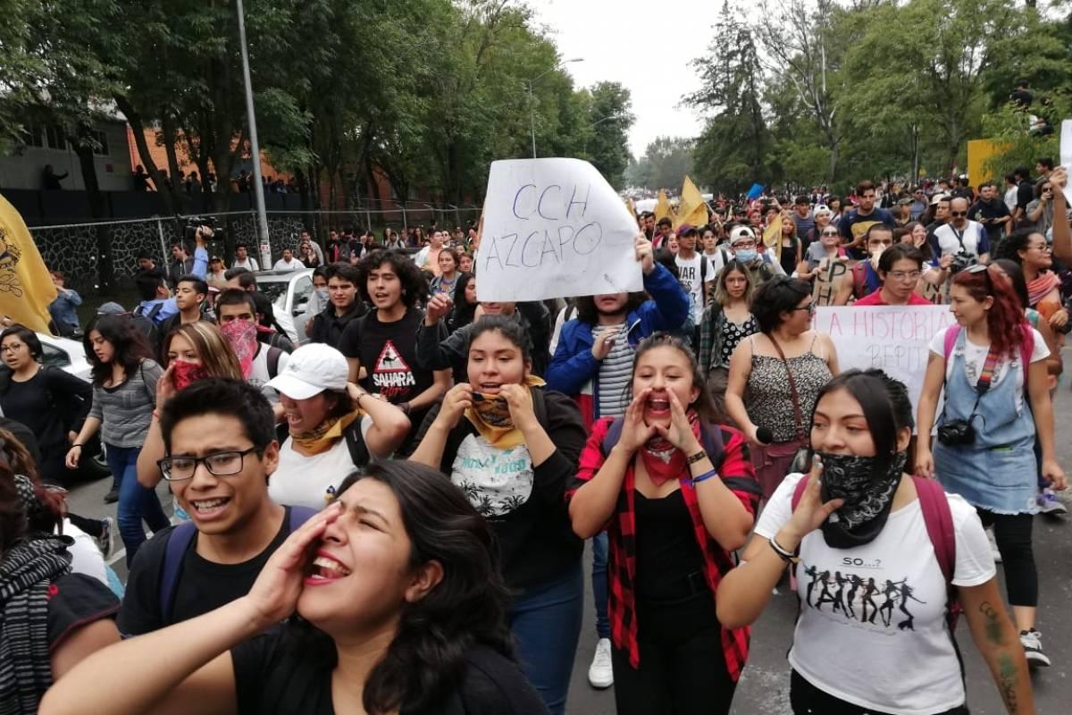 Diversas escuelas participaron en la marcha de la UNAM. Foto: Nicolás Corte