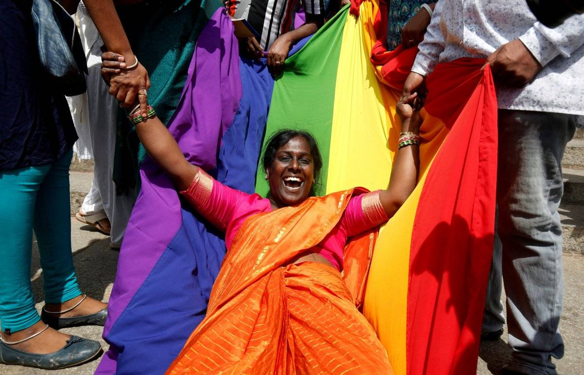 Manifestantes comemoram resultado Abhishek N. Chinnappa/Reuters