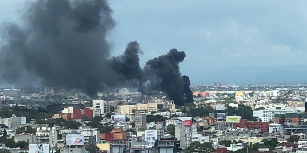 Se registra incendio en llantera de la colonia Doctores