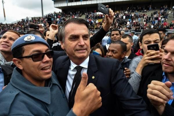 Jair Bolsonaro en un mitin de campaña