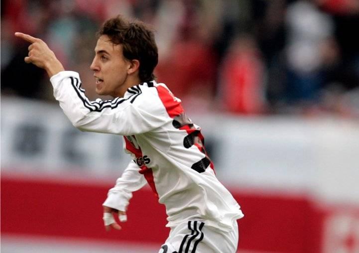 Después de innumerables esfuerzos junto a su padre, Diego Buonanotte alcanzó el éxito en River Plate / Foto: AP