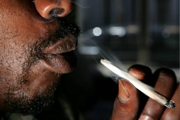 Fumatón de marihuana en Bogotá