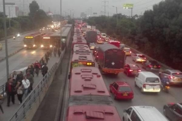 accidente entre peatón y TransMilenio en el norte de Bogotá