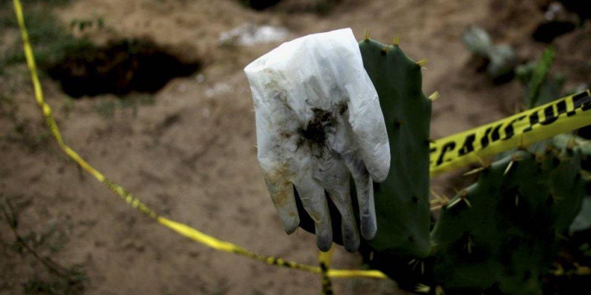 Encuentran 166 cuerpos en fosas clandestinas de Veracruz - Estados - Notas