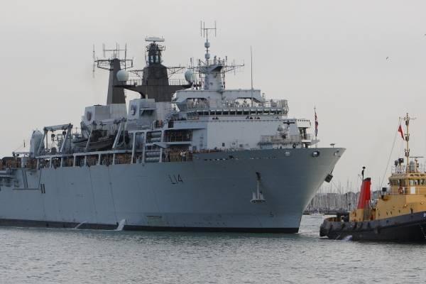 """Pekín expresó su enojo el jueves después de que un buque de guerra británico de la Royal Navy navegara cerca de las islas reclamadas por China en el Mar Meridional de China a fines del mes pasado, diciendo que Gran Bretaña estaba involucrada en una """"provo"""