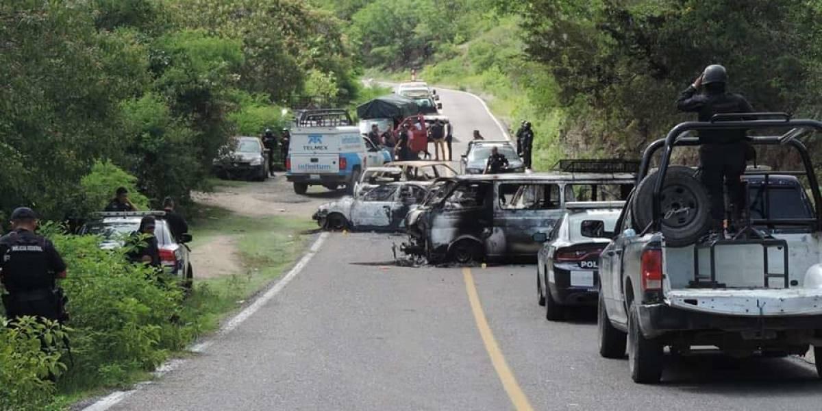 Atacan 150 hombres armados a policía en Guerrero